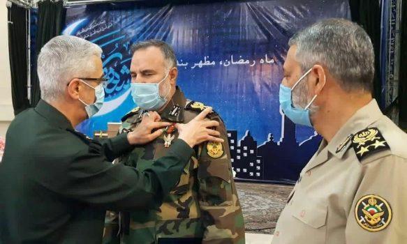 نشان درجه یک فتح به فرمانده نیروی زمینی ارتش اعطا شد