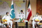 دیدار فرمانده ناوگروه نیروی دریایی پاکستان با امیر دریادار دوم تذکر  در بندرعباس