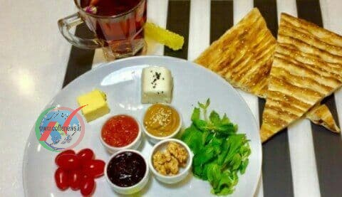 چرا خوردن صبحانه تکراری برایمان مفید است ؟!