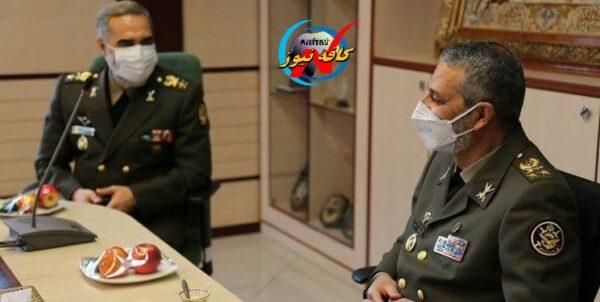 دیدار فرمانده کل ارتش با وزیر دفاع و پشتیبانی نیروهای مسلح
